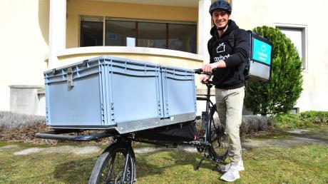 Robin Noller bringt das Essen nach Hause. Er arbeitet für den Augsburger Lieferdienst Boxbote.