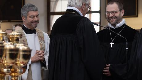 Geteilte Freude (v. links): der katholische Stadtdekan Helmut Haug, Regionalbischof Axel Piper und der evangelische Stadtdekan Michael Thoma.