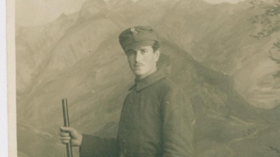 Copy%20of%20Hans_FRANK_Soldat_1915_Vorderseite(1)(1).tif