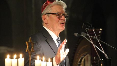 Im November 2017 sprach Alt-Bundespräsident Joachim Gauck in der Augsburger Synagoge.