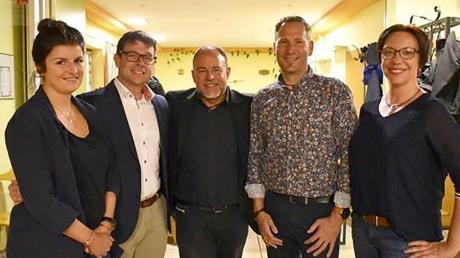 An der Spitze des TSV Firnhaberau steht künftig Holger Braunbarth (Mitte). Seine Mitstreiter im Vorstand sind Carsten Wiedemann, Heiko Nöll (rechts neben ihm) sowie Birgit Stumpf und Vanessa Mangini.