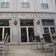 """Die Namensänderung des Hotels """"Drei Mohren"""" löst nicht nur bei Augsburgern heftige Reaktionen aus."""