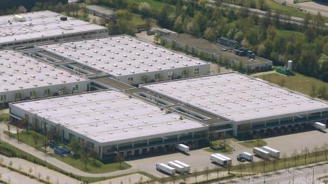 Fujitsu will sein Werk im Augsburger Süden schließen. Viele Details sind aber noch offen.
