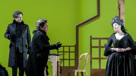 """""""Werther"""", heißt die Oper, die das Staatstheater Augsburg am Dienstag letztmals in dieser Saison im Martinipark aufführte."""