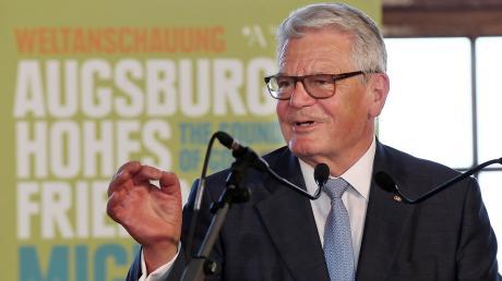 """Bei der Eröffnungsfeier des  Rahmenprogramms zum Friedensfest begeisterte Joachim Gauck mit seiner pointierten Sichtweise. """"Die Freiheit der Erwachsenen heißt Verantwortung"""", sagte er."""
