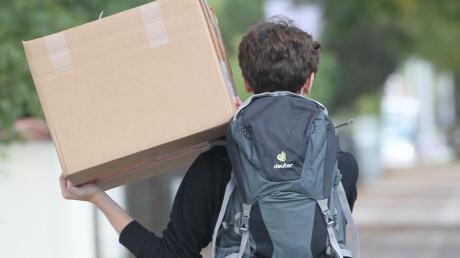 Wer jung auszieht, hat oft weder Geld noch Erfahrung, um problemlos an eine Wohnung zu kommen.