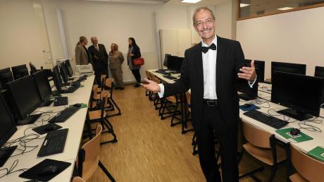 Rektor Herbert Hofmann freut sich über den neuen Computerraum, den der Anbau ans Rudolf-Diesel-Gymnasium ermöglicht hat.