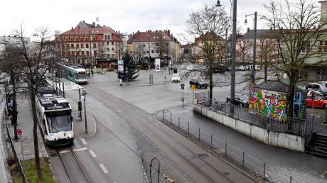 Am Oberhauser Bahnhof gibt es immer wieder Ärger. Der neue Ordnungsreferent Frank Pintsch will sich ein genaues Bild von der Lage machen.