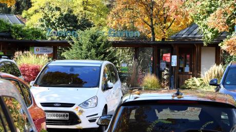 An manchen Wochenenden zwischen Frühjahr und Herbst sind die Parkplätze an Zoo und Botanischem Garten überfüllt.