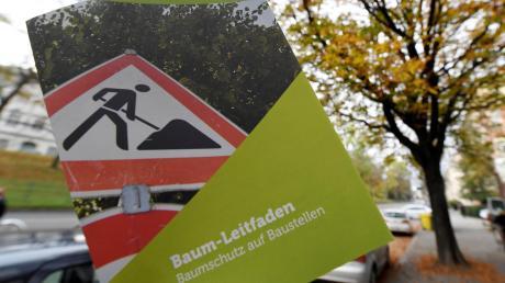 Aus Sicht des Umweltreferats hat sich der für Bauherren gedachte Baum-Leitfaden bewährt. Kritische Bürger sind mit seiner Wirkung jedoch nicht zufrieden.
