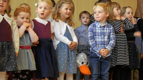 Der Kindergarten Riesrandzwerge aus Marktoffingen hat seinen 40. Geburtstag gefeiert. Unsere Zeitungsente Paula Print durfte dabei sein.