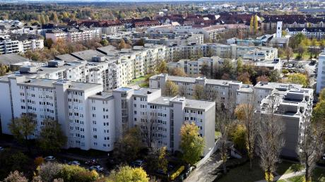 Auch in Augsburg werden Eigentümer von Mietwohnungen vom Finanzamt darauf hingewiesen, dass sie mindestens 66 Prozent der ortsüblichen Miete verlangen müssen, um keine steuerlichen Nachteile zu erleiden.