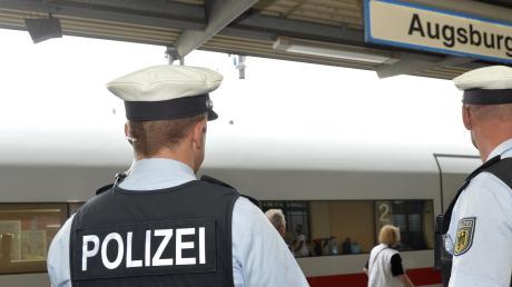 Die Bundespolizei hat am Augsburger Hauptbahnhof einen Kriminellen festgenommen.