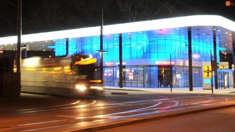 Der Nahverkehr rund um den Augsburger Königsplatz wird in Zukunft kostenlos.
