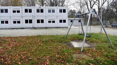 In den Containern werden die Flüchtlinge untergebracht, die ab Anfang Dezember in der Berliner Allee leben. Es handelt sich dabei um eine neue Ankerzweigstelle.