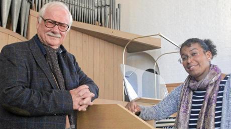 Komponist Robert Maximilian Helmschrott freut sich auf das Konzert, das am Sonntag zu seiner Ehre in St. Thaddäus stattfindet. Die Orgel spielt bei diesem Anlass die Kirchenmusikerin Patricia Ott.