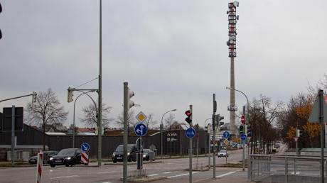 Bislang befinden sich Mobilfunkantennen häufig auf solchen Sendemasten wie hier am Holzweg im Bärenkeller.