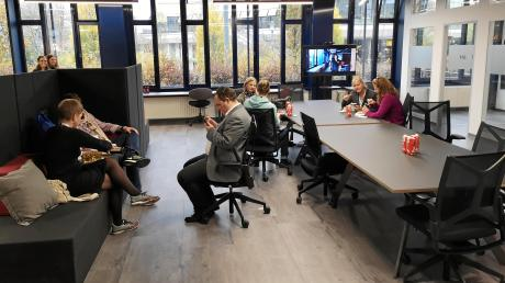 """Kein eigenes Büro mehr: Blick in den """"Coworking Space"""" in der Salomon-Idler-Straße 30, ein Projekt der Industrie- und Handelskammer."""