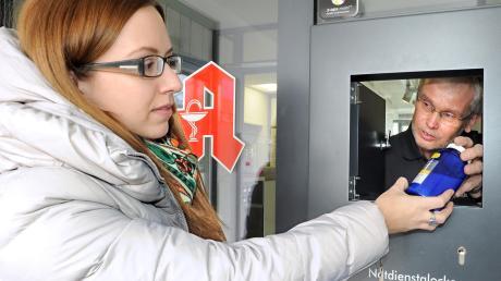 Wer außerhalb der normalen Öffnungszeiten der Apotheken dringend Medikamente braucht, ist auf den Notdienst angewiesen. Dabei gibt es in der Region Günzburg jetzt Änderungen.
