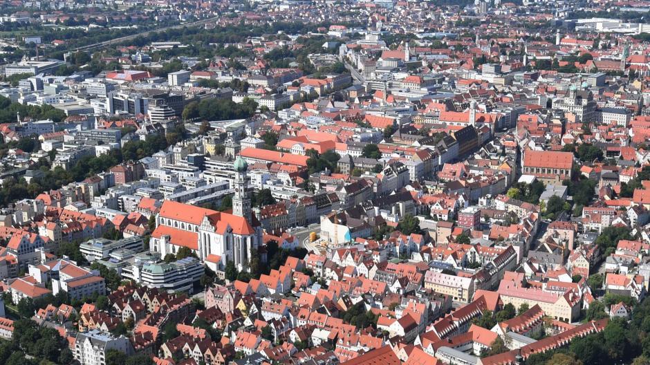 Mehr Bürgerbeteiligung braucht es in Augsburg, darin sind sich alle Parteien und Vereine einig. Bei den Ideen unterscheiden sie sich aber.