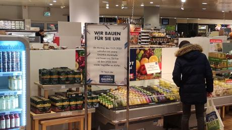 Die Lebensmittelabteilung bei Karstadt wird umgebaut.