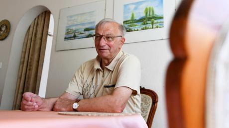 Gerd Enskat aus Neusäß muss immer noch arbeiten, um die Pflegekosten für seine Frau aufzubringen.