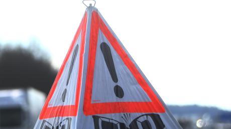 Wohl aus Unachtsamkeit hat eine Autofahrerin fast die Autobahnausfahrt bei Vöhringen verpasst.