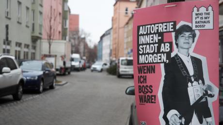 """Die Plakate des Stadtjugendringes sollen jungen Menschen zum Wählen animieren. Sie zeigen unter anderem einen Vertreter der """"Fridays-for-Future""""-Bewegung, was für Kritik sorgt."""