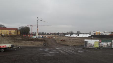 Wo früher der Post SV sein Trainingsgelände hatte, liefen in den vergangenen Monaten schon Erdarbeiten. Bis 2023 soll das ganze Areal bebaut sein, so die Planungen.