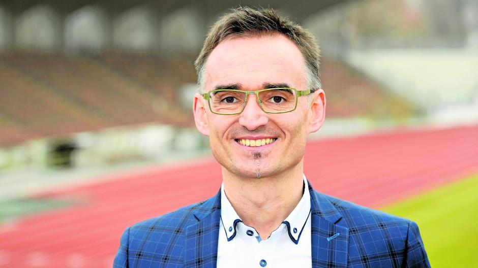 Roland Wegner ist der OB-Kandidat der V-Partei. Der ehemalige Leistungssportler hat vor circa zehn Jahren ein Buch geschrieben – während der Recherche startete er einen Versuch, der sein Leben änderte.