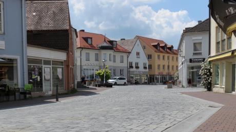 Schön anzusehen ist die Friedberger Innenstadt allemal. Nur sind die Straßen wegen des Coronavirus menschenleer - und die Geschäfte steigen auf Online-Handel um.