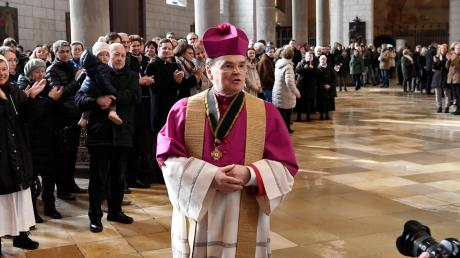 Mit einem freundlichen und zugewandten Gesicht – so ist Bertram Meier, der Bischof von Augsburg, in der Öffentlichkeit oft anzutreffen. Das Foto entstand vor der aktuellen Corona-Welle.