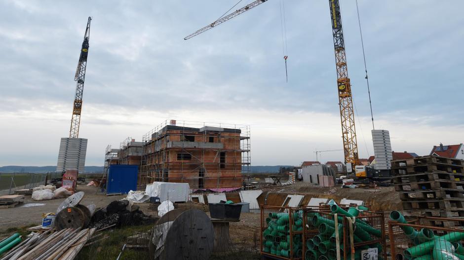 In Augsburg steigen die Immobilienpreise rasant. Doch wie sieht es im Umland aus?