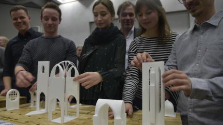 Hochschulstudenten haben Bauteile von St. Ulrich im Kleinformat nachgebildet. Blinde können die besondere Architektur damit ertasten.