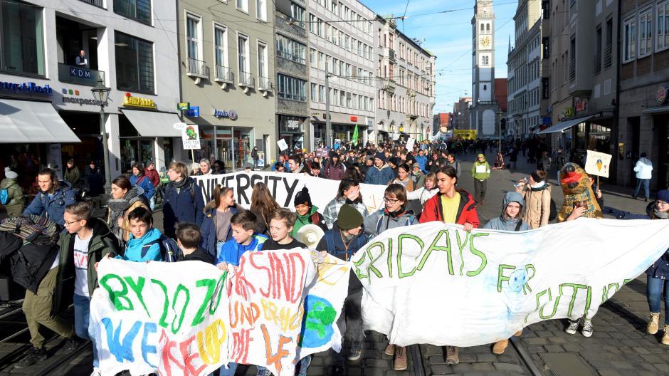 Am Sonntag marschieren die Anhänger der Fridays-for-Future-Bewegung vorerst zum letzten Mal durch Augsburg.