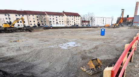 Auf diesem Grundstück im Norden des Sheridan-Areals nahe der Stadtgrenze zu Stadtbergen baut die Wohnbaugruppe 109 geförderte Wohnungen. Voraussichtlich im nächsten Jahr geht es mit dem zweiten Bauabschnitt weiter.
