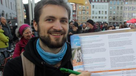 Das Radler-Bürgerbegehren hat zum Auftakt rund 1250 Unterschriften in Augsburg gesammelt. Inzwischen dürften mehr zusammengekommen sein.