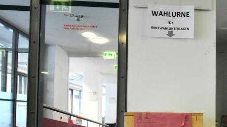 Fast jeder vierte Augsburger beantragt Briefwahl. Ein Rekord in Zeiten des Coronavirus. Bleiben die Wahlkabinen am Sonntag leer?