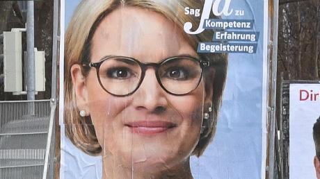 """Eva Webers Kampagne lief unter dem Stichwort """"Ja"""". Offenbar fand der Wahlkampf der CSU-Politikerin in Augsburg Anklang."""