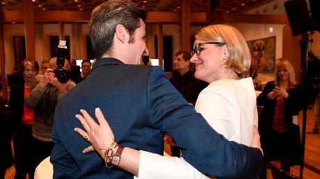 Dirk Wurm und Eva Weber am Wahlabend im Rathaus. Beide wollen den Wahlkampf nicht einstellen, sagen aber, dass Corona deutliche Auswirkungen darauf haben wird.