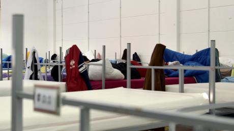 Im Ankerzentrum an der Aindlinger Straße werden alle Neuankömmlinge auf Corona getestet.