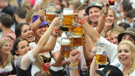 Ob es 2021 Bilder von feiernden Menschen auf dem Oktoberfest zu sehen gibt? Bayerns Ministerpräsident Markus Söder ist skeptisch.