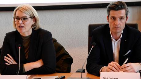 Krisenmanager und Konkurrenten: Eva Weber (CSU) und Dirk Wurm (SPD) bei einer ersten Pressekonferenz Mitte März zur Coronakrise.