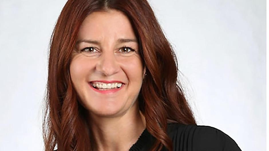 Friseurmeisterin Tanja Schneider liebt ihre Arbeit, darf sie aber derzeit nicht ausüben.