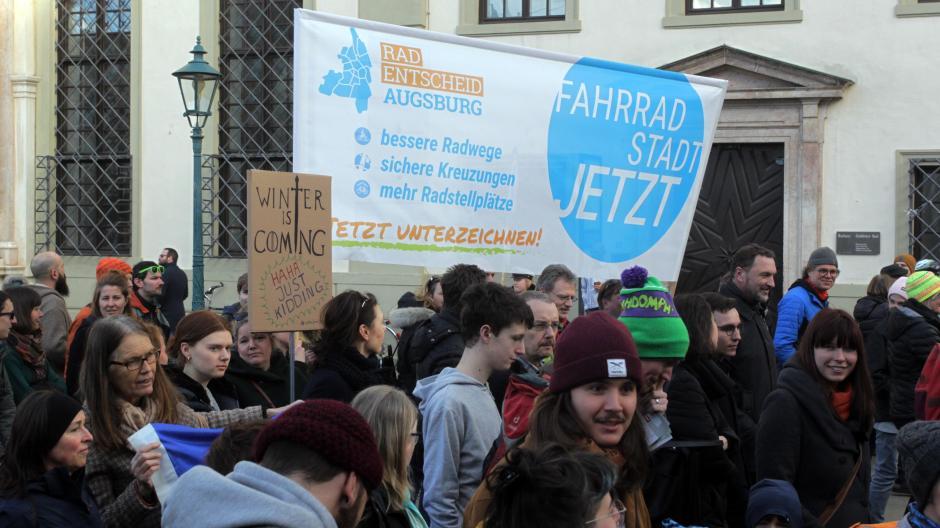 Vor etwa einem Monat begann die Unterschriftensammlung für das Radbegehren.
