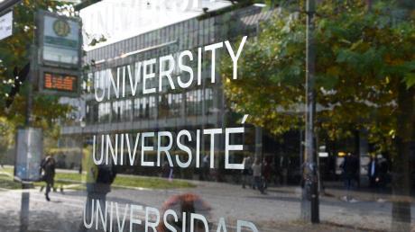 Viele Studenten in Augsburg müssen nebenbei Geld verdienen, um sich ihr Studium zu finanzieren. In Zeiten von Corona wird das schwieriger.