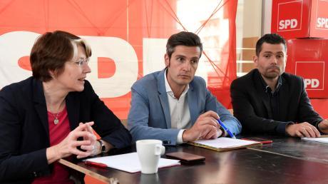 Die Augsburger SPD hat im Stadtrat an Einfluss verloren und ist raus aus der Stadtregierung. Die Vorsitzende Ulrike Bahr (von links, fotografiert bei einem Termin im Mai 2019), OB-Kandidat Dirk Wurm und Fraktionschef Florian Freund suchen nun nach neuen Strategien.