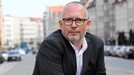 Der Augsburger Kommunalpolitiker Peter Hummel soll mithilfe von Fake-Accounts Menschen diffamiert haben.