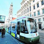Die verkorkste Tarifreform im öffentlichen Nahverkehr in Augsburg soll mittelfristig durch ein 365-Euro-Ticket aufgefangen werden. So steht es zumindest im Koalitionsvertrag der schwarz-grünen Regierung. Doch die Corona-Krise könnte solche Vorhaben in der nächsten Zeit unmöglich machen.