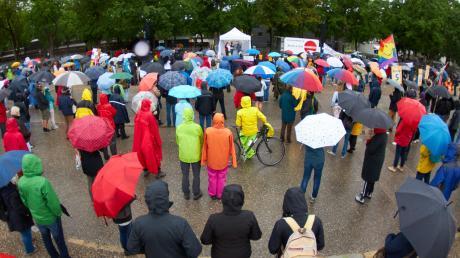 """Auf dem Plärrergelände fand am Samstag erneut eine Demonstration der Veranstaltergruppe """"Grundrechte wahren"""" statt. Für 1000 Personen war diese angemeldet, es kamen weniger."""